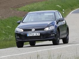 VW、新型クロスオーバーSUV「タイグン」市販モデルをキャッチ!