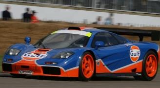 レッド F1カー サイドビュー