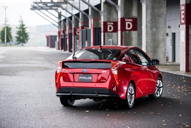2015 Toyota Prius Prototype 4WD