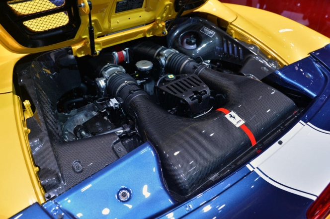 フェラーリ 458 スペチアーレ A エンジン