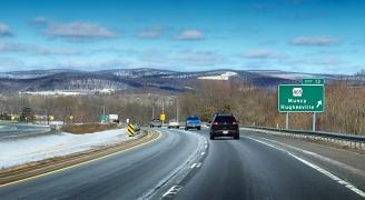 winter road(PRONicholas A. Tonelli)