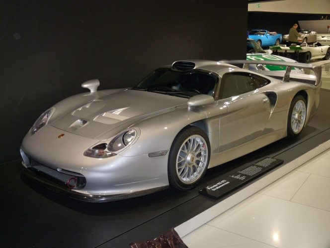 ポルシェ カレラ GT1