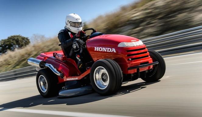 世界最速の芝刈機
