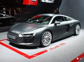 V10エンジン搭載、最高出力540馬力の新型アウディ R8…現行モデルとの違いは?