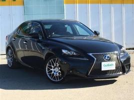 レクサスISを購入するなら新車か中古車、お得なのは…!?