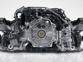 エンジンの回転数と馬力は関係ない?それぞれの関係性とは?