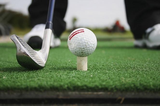 ゴルフ スイング ミート