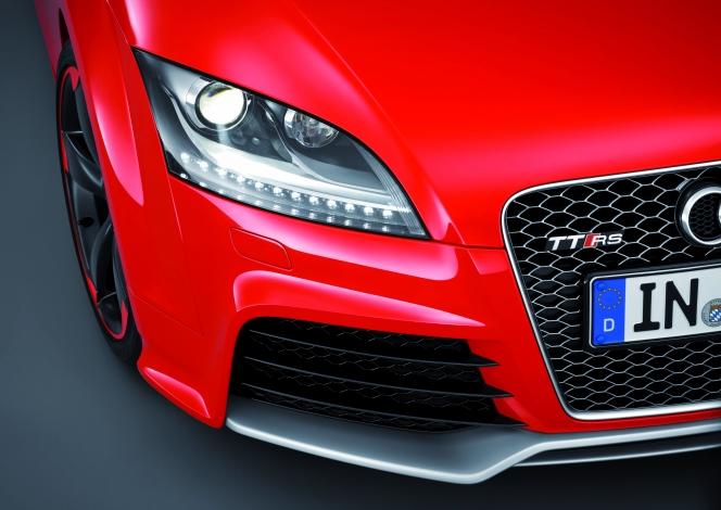 アウディ TT RS ライト