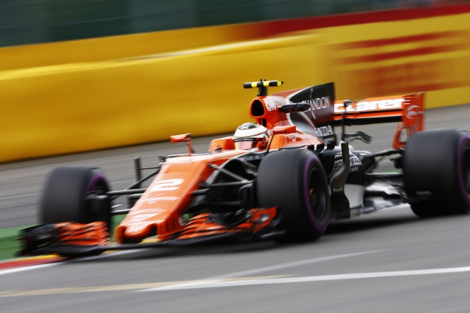 F1 シャークフィン