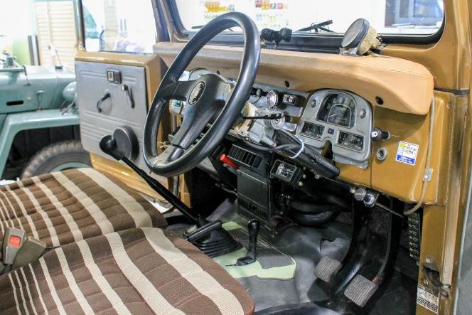 トヨタ ランドクルーザー FJ40
