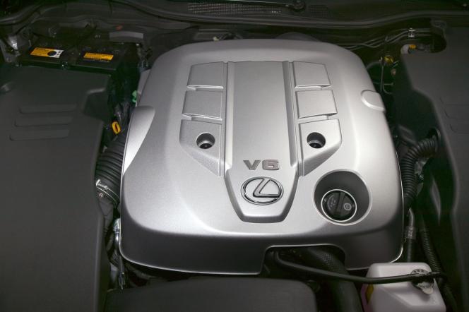 レクサス V6エンジン