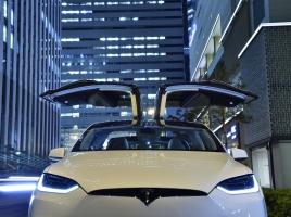 テスラモーターズ モデルX…自動運転など本気で使いやすい装備満点だった!