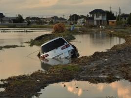 車が水没したらどうすべき?天災により車が被害にあった際の対応方法は?