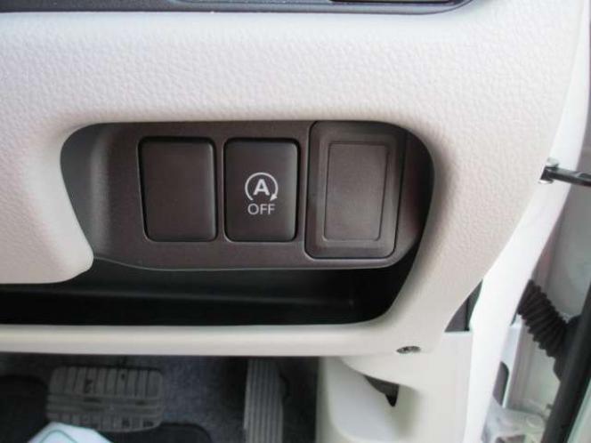 アイドリングストップ ボタン