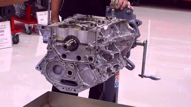 VQ35 エンジン
