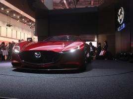 マツダが公開した新ロータリースポーツ「RX-VISION」…海外でも話題に!?