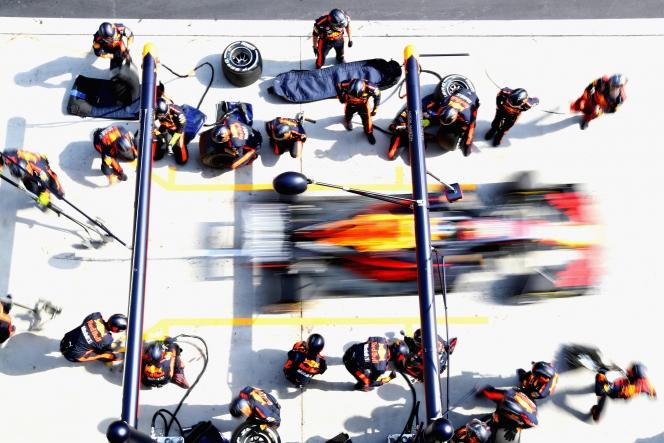 レッドブル F1 タイヤ交換
