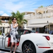 初心者の女性が2450万円のフェラーリを沖縄でレンタルして運転してみました。