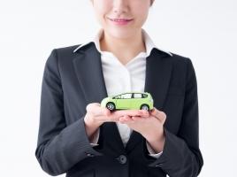 今の車を買い取ってもらっても次の車はまだ来ないから、代車を借りたいんだけどできる...?