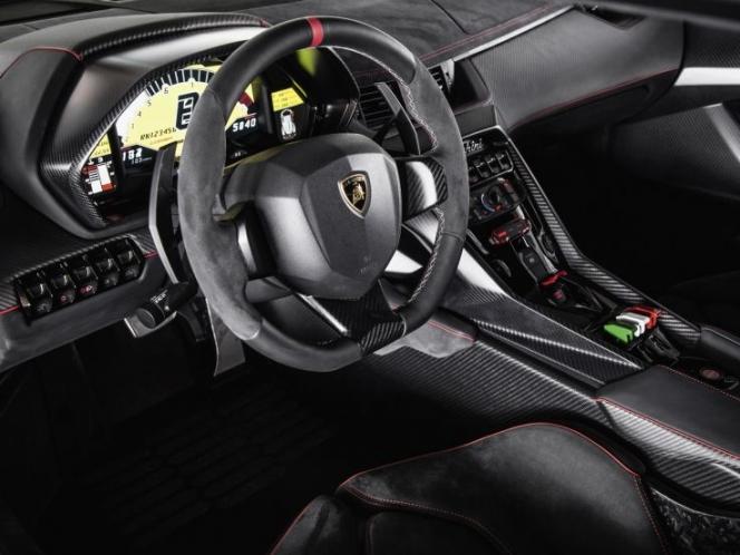 Lamborghini Veneno 2013年モデル インテリア