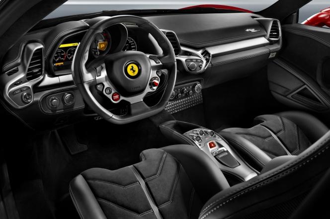 Ferrari 458 2014年モデル インテリア