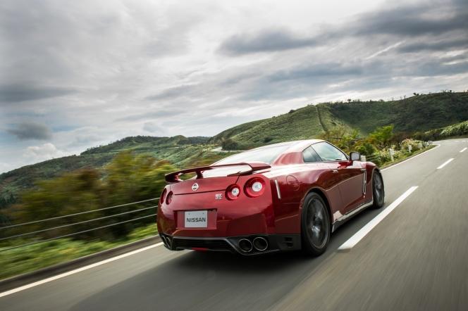 日産 GT-R 2015