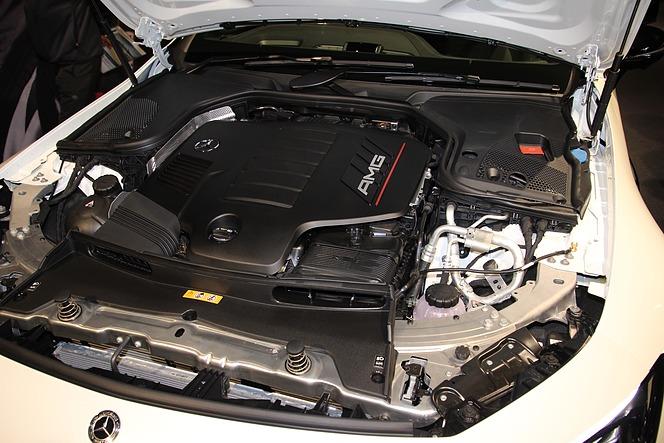 メルセデスAMG GT 4ドアクーペ(塚田勝弘撮影)