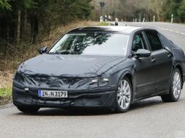 VW、次世代最上級サルーン「CクーペGTE」市販モデルをキャッチ!