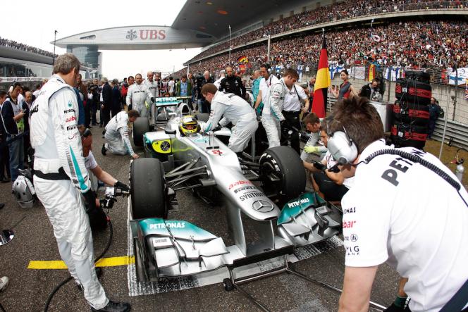 アヘッド F1
