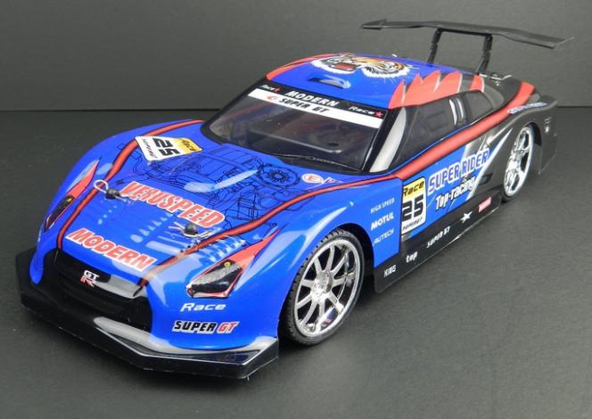 GTR ラジコン