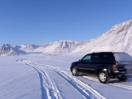 凍った路面に効かないチェーンも!?チェーンは車のどのタイヤに巻く?