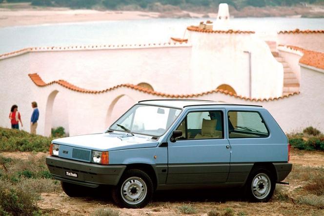 アヘッド イタリア車