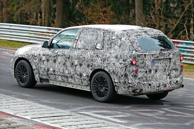 BMW X5 次期型