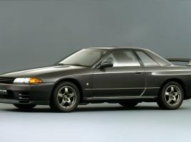 いまさら聞けない?R32スカイライン…GTSとGT-Rの違いとは?