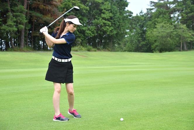 ゴルフショット 女性