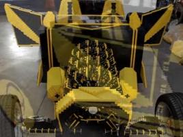 【動画】エンジンもレゴで再現!?巧みに組み立てたレゴカーが公道を走る!