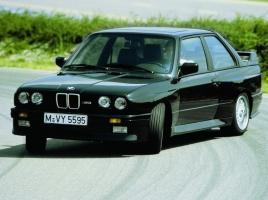 ベンツ190E、BMW M3…80年代の思い出が蘇る懐かしのドイツ車たち