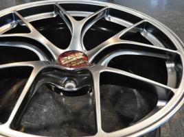 軽ければ良い、偏平タイヤは性能がいい・・・これは思い込み?プロに聞いたタイヤ&ホイールの実態とは?