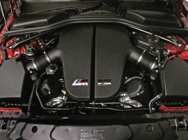 V10からV8へ!なぜ、BMW M5はV8へ舵を切ったのか?