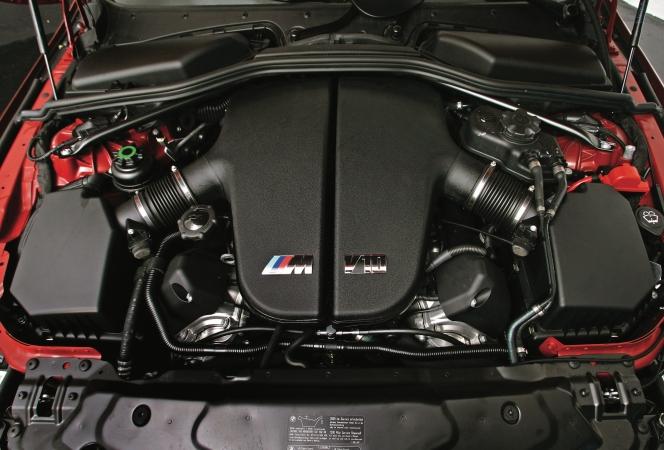 BMW M5 V10エンジン