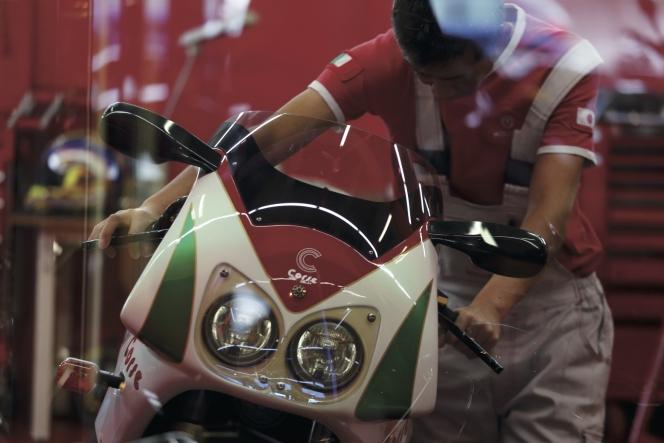 ahead オートバイ