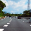 眠くなりがちな高速道路には、さまざまな工夫がされていた!