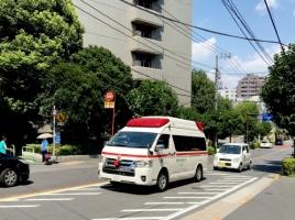 救急車など、緊急自動車の進路を妨害したらどんな罰則になる?