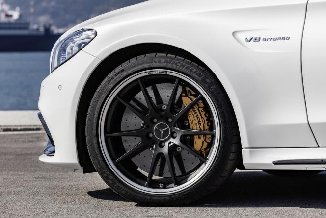 タイヤ ホイール AMG