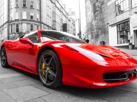 【動画】フェラーリがスピンしてクラッシュ!だが、注目すべきはそこではなく・・・