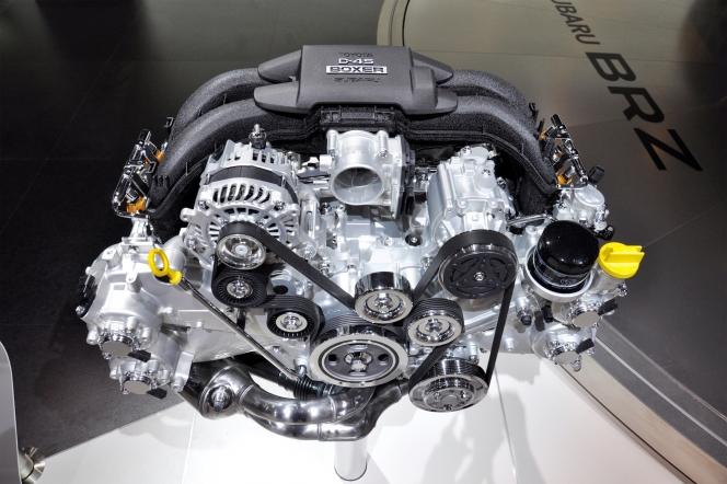 ボクサーエンジン FA20
