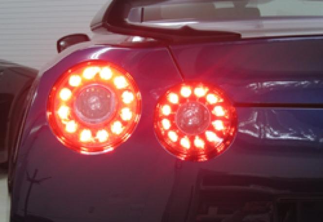 GT-R ブレーキランプ