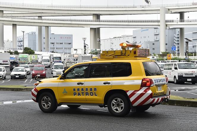 高速パトロールカー