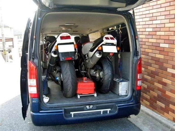 荷室 バイク
