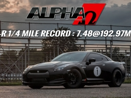韓国を代表するスポーツカー、ジェネシスクーペ…2秒ハンデを付けて、GT-Rに挑んだ結果は?